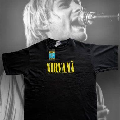 camiseta-nirvana-delantera-con-fondo-kurt-cobain